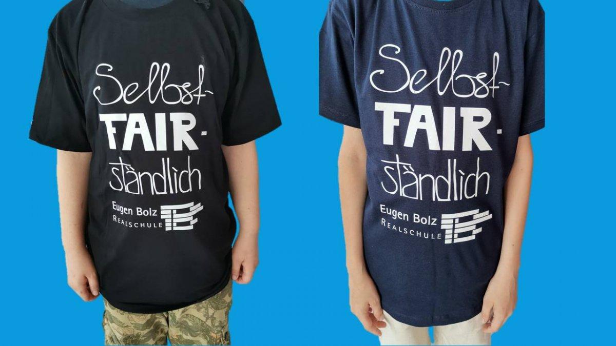 Klassische T-Shirt Form in schwarz und navy