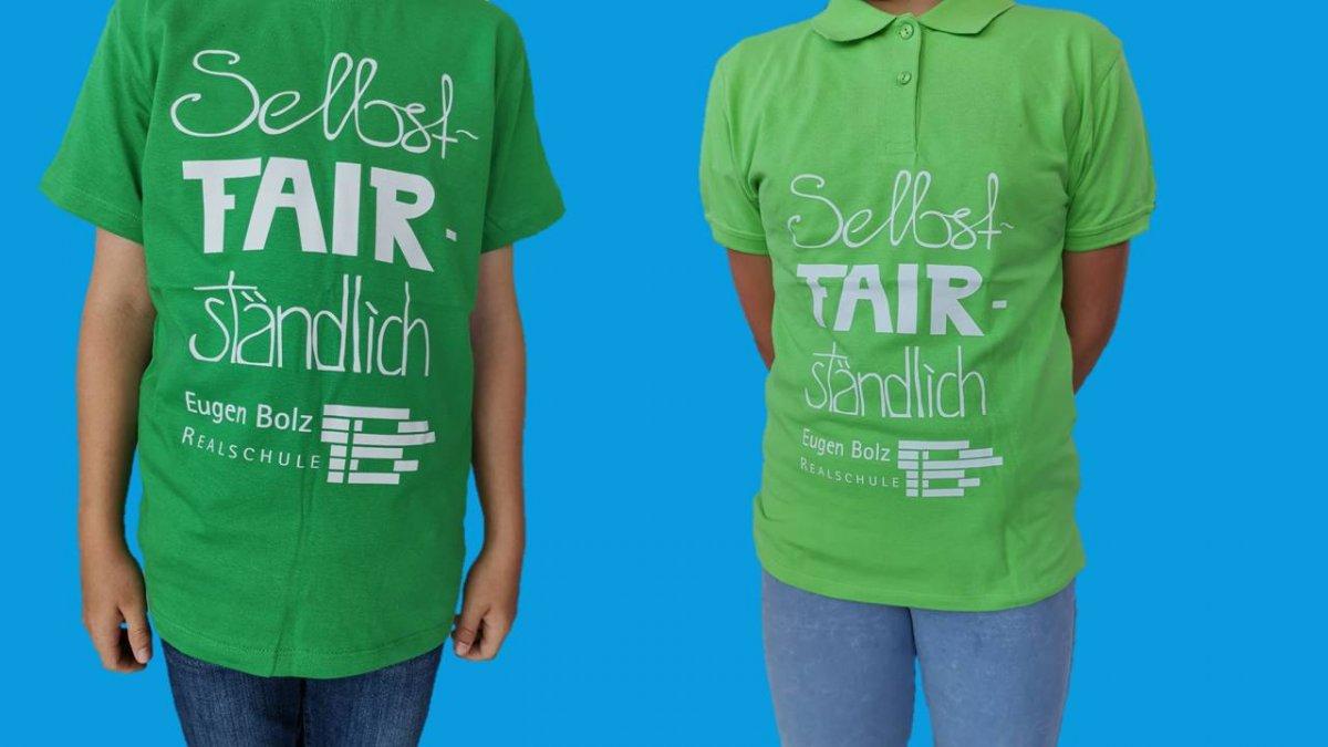Kindergröße und Polo-Shirt in grün