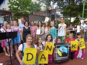 Urkundenübergabe Fairtrade School