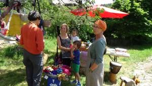 Verkauf von fairen Produkten beim Sommerfest der FSB