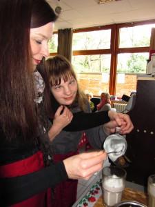 Kaffeekochen mit Handführung