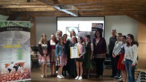 Vertreter von Fairtrade und die Projektgruppe