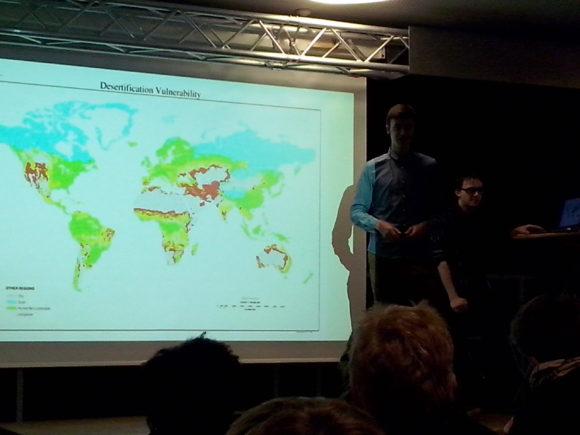 Moderation : Joel und Charles (AG EQUIWI) Gast : Dr. Rainer Putz des Regenwald-Institut